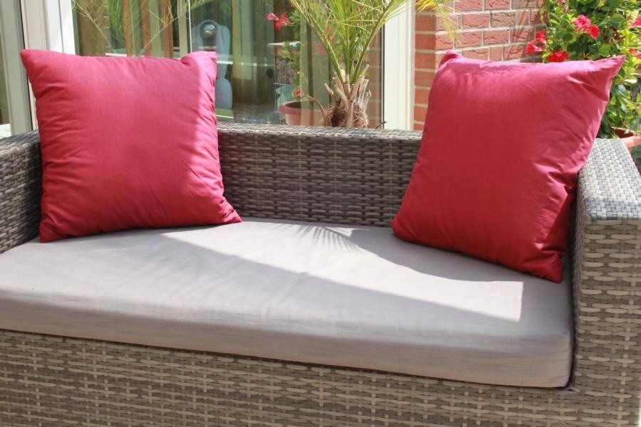 ca. 50x50 cm Sitzkissen Zierkissen für Lounge Gruppen in bordeaux